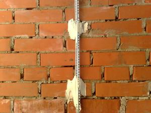 Как выравнивать стены по маякам штукатуркой, купить штукатурку в Минске.