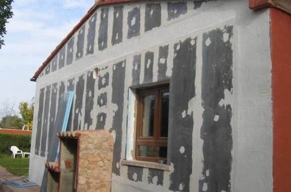 Фасадная шпатлевка для наружных работ.