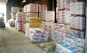 Предлагаем купить сухие смеси в Минске с доставкой - склад самовывоза в Уручье.