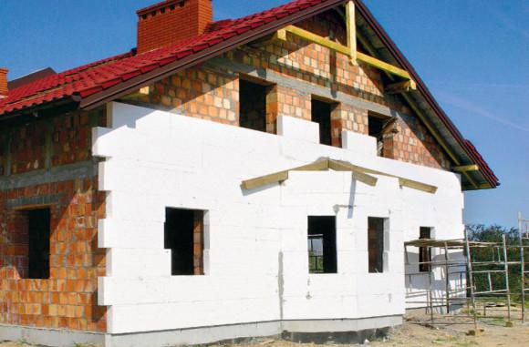 Пенопласт как утеплитель загородного дома, выбор клея для утеплителя и пеноблоков в Минске.