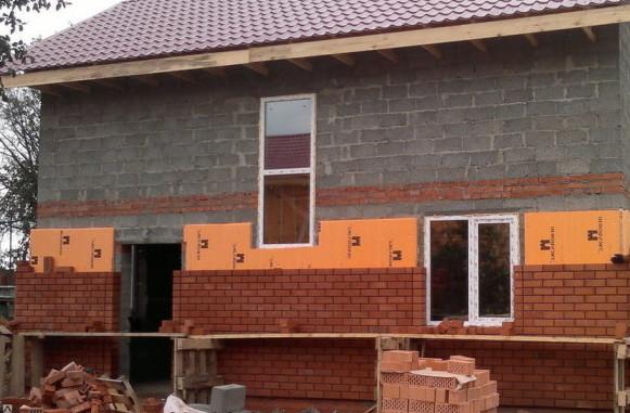 Мы подскажем как утеплить дом из пеноблоков, поможем купить стройматериалы на утепление.