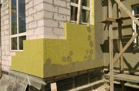Армирующий слой при монтаже мокрый фасад по технологии.